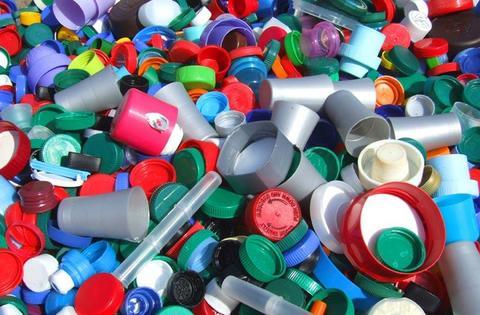 История появления пластика